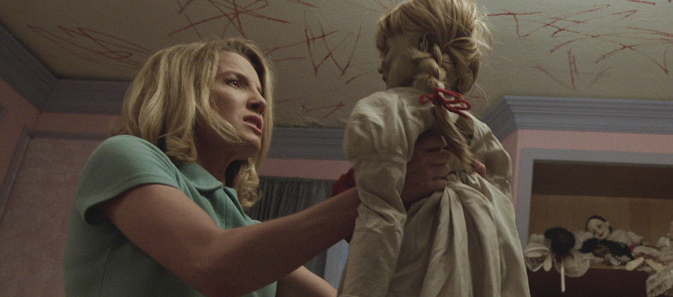 New 'Annabelle' Video Featurette and Spooky Photo Gallery - DH ...